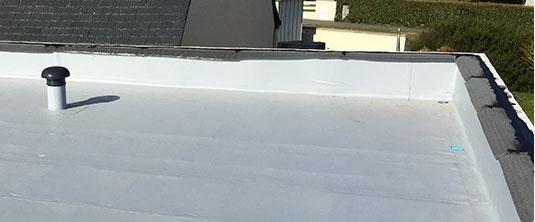 Pose de couvertures et de membranes afin de protéger votre toit plat