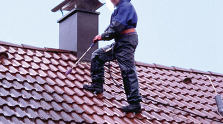 Screenshot_2019-01-27-Démoussage-de-toiture-pour-un-toit-en-bon-état-Travaux-com1-1.png